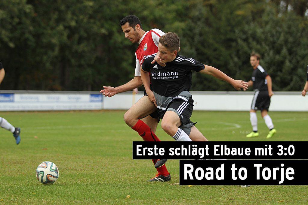 Mehderitzsch, Deutschland, 07.10.2017, Fussball, TZ-Bärenpokal, 3. Runde - FC Elbaue Torgau - FSV Wacker Dahlen - Philipp Pelzer (#7, Dahlen) im Zweikampf mit Anas Azziab (#15, Torgau).